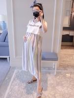 เดรสคลุมท้องแฟชั่น ลายตรงวินเทจ มีเชือกผูกปรับขนาดด้านหน้า มีเสื้อสวมด้านนอก น่ารักมากค่ะ