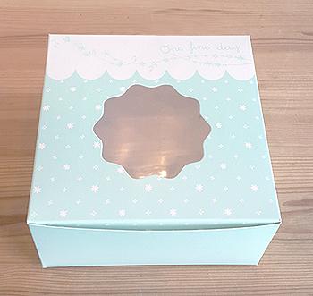 กล่องขนม กล่องสแน็ค หน้าต่าง สีฟ้าลายดาว snack