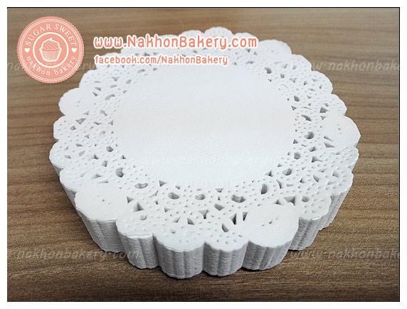 กระดาษลูกไม้ กระดาษดอลลี่ กระดาษรองก้นถุง ลายจุด สีขาว 4.5 นิ้ว