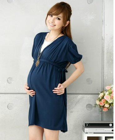 ชุดคลุมท้อง สีฟ้า ผ้าฝ้ายนิ่มใส่สบาย เย็บย่นจากไหล่ลงมาสวย มีเชือกผูกปรับขนาดครรภ์