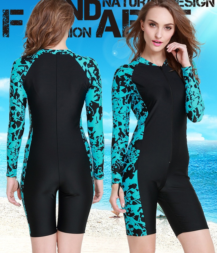 ชุดว่ายน้ำคนอ้วนพร้อมส่ง :ชุดว่ายน้ำสีเขียวน้ำทะเลแขนยาวแต่งลายกราฟฟิกสีสันสดใสแบบเก๋ น่ารักมากๆจ้า:มีSize L,2XL รายละเอียดไซส์คลิกเลยจ้า