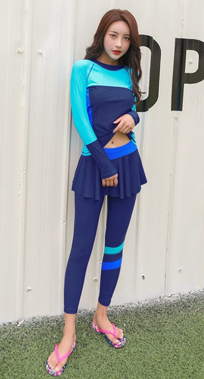 ชุดว่ายน้ำคนอ้วน แบบสปอร์ตพร้อมส่ง :ชุดว่ายน้ำไซส์ใหญ่สีน้ำเงินฟ้าแขนขายาว. กางเกงขายาวแต่งกระโปรงระบาย สีสันสดใสแบบเก๋น่ารักมากๆจ้า:มีSize 3XL,6XLรายละเอียดไซส์คลิกเลยจ้า