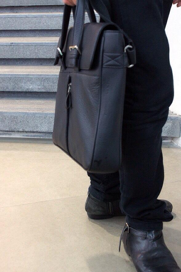 กระเป๋าสะพายหนังแท้ Case-01