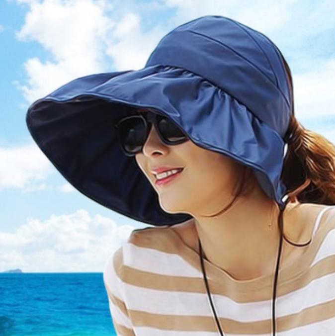 หมวกแฟชั่นพร้อมส่ง : หมวกปีกบานกว้างกันแดดสีน้ำเงินกรม พักเก็บง่ายแบบสวยน่ารักๆจ้า
