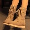 รองเท้าบูททรงสูงพื้นหนาประดับเชือกด้านหน้า