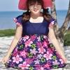 ชุดว่ายน้ำคนอ้วนพร้อมส่ง : ชุดว่ายน้ำคนอ้วนแฟชั่นสีน้ำเงินแต่งลายดอกไม้สีชมพูสีสันสดใส กางเกงขาสั้นใส่ด้านในน่ารักมากๆจ้า:รอบอก38-48นิ้ว เอว32-42นิ้ว สะโพก38-48นิ้วจ้า