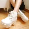รองเท้าบูทมาร์ตินมีส้น