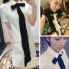 ((พร้อมส่ง)) เสื้อผ้าแฟชั่นผู้หญิง : เดรสสีขาวแฟชั่น ผูกโบว์ แต่งแถบสีดำด้านหน้า น่ารัก น่ารักจ้า
