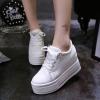 รองเท้าผ้าใบพื้นหนามัฟฟินเพิ่มสูง 10 cm