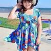 Swimsuit Bigsize พร้อมส่ง :ชุดแฟชั่นว่ายน้ำสีแดงแต่งลายใบไม้สีสันสดใสแบบเก๋ กางเกงขาสั้นใส่ด้านในน่ารักมากๆจ้า:รอบอก44-52นิ้ว เอว38-46นิ้ว สะโพก42-52นิ้วจ้า