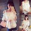 เสื้อผ้าแฟชั่นผู้หญิง ((พร้อมส่ง)) : เสื้อแฟชั่นสีขาว เปิดไหล่ ใส่สบาย น่ารัก น่ารักจ้า