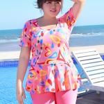 ชุดว่ายน้ำคนอ้วนพร้อมส่ง :ชุดว่ายน้ำคนอ้วนสีชมพูแต่งลายกราฟฟิกสีสันสดใส กางเกงขาสั้นใส่ด้านในน่ารักมากๆจ้า:รอบอก40-50นิ้ว เอว32-40นิ้ว สะโพก40-50นิ้วจ้า