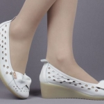 (พร้อมส่ง) รองเท้าคัทชูหนังพยาบาลสีขาวมีโบว์แฟชั่น
