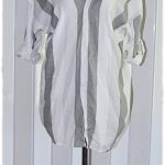 เสื้อ แขนยาว คอวี ลายทาง สีขาว เทา