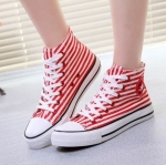 รองเท้าผ้าใบผู้หญิงทรงคลาสสิคลายขวาง