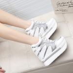 รองเท้าผ้าใบแฟชั่นพื้นหนาเสริมสูง 8-12 cm