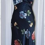 Sold เดรสยาว แขนกุด ต่อใต้อก เข้าเอว ซิปข้าง ผ้าซาติน สีน้ำเงินกรมท่า ลายดอก