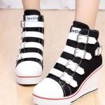 รองเท้าผ้าใบมีเข็มขัดส้นสูงแฟชั่นเกาหลี