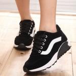 รองเท้าผ้าใบทรงกีฬาแฟชั่นพื้นหนา