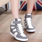 (พร้อมส่ง) รองเท้าประดับหมุดรองเท้าผ้าใบเสริมสูง