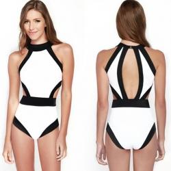 ชุดว่ายน้ำวันพีช พร้อมส่ง :ชุดว่ายน้ำแฟชั่นสีขาวตัดขอบสีดำแบบเก๋ sexyน่ารักมากๆจ้า:.รอบอก34-42นิ้ว เอว32-38นิ้ว สะโพก36-44นิ้วจ้า