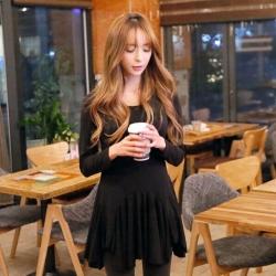 ((พร้อมส่ง)) เสื้อผ้าแฟชั่นผู้หญิง : เสื้อแฟชั่นตัวยาวสีดำ แต่งกระโปรงพริ้วๆ น่ารักๆจ้า