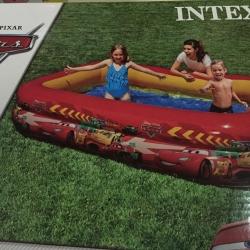 สระเล่นน้ำทรงสีเหลี่ยมผืนผ้า ยี่ห้อ Intex
