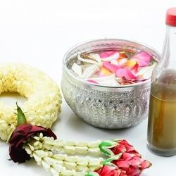 น้ำหอม กลิ่นน้ำอบไทย (Thai Traditional Perfume) 1 KG.