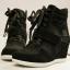 รองเท้าผ้าใบเสริมสูงรองเท้ากีฬาตาข่ายแบบสายรัดสไตล์เกาหลี thumbnail 1