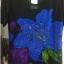 เสื้อผ้าแฟชั่นผู้หญิงพร้อมส่ง : เสื้อแฟชั่นสีดำแต่งลายดอกไม้สีน้ำเงินสดใส น่ารักมากๆจ้า thumbnail 1