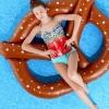 ห่วงยางเป่าลมแฟนซีรูปเพลสเซล Super Giant Pretzel Inflatable Pool Float (สีน้ำตาล)