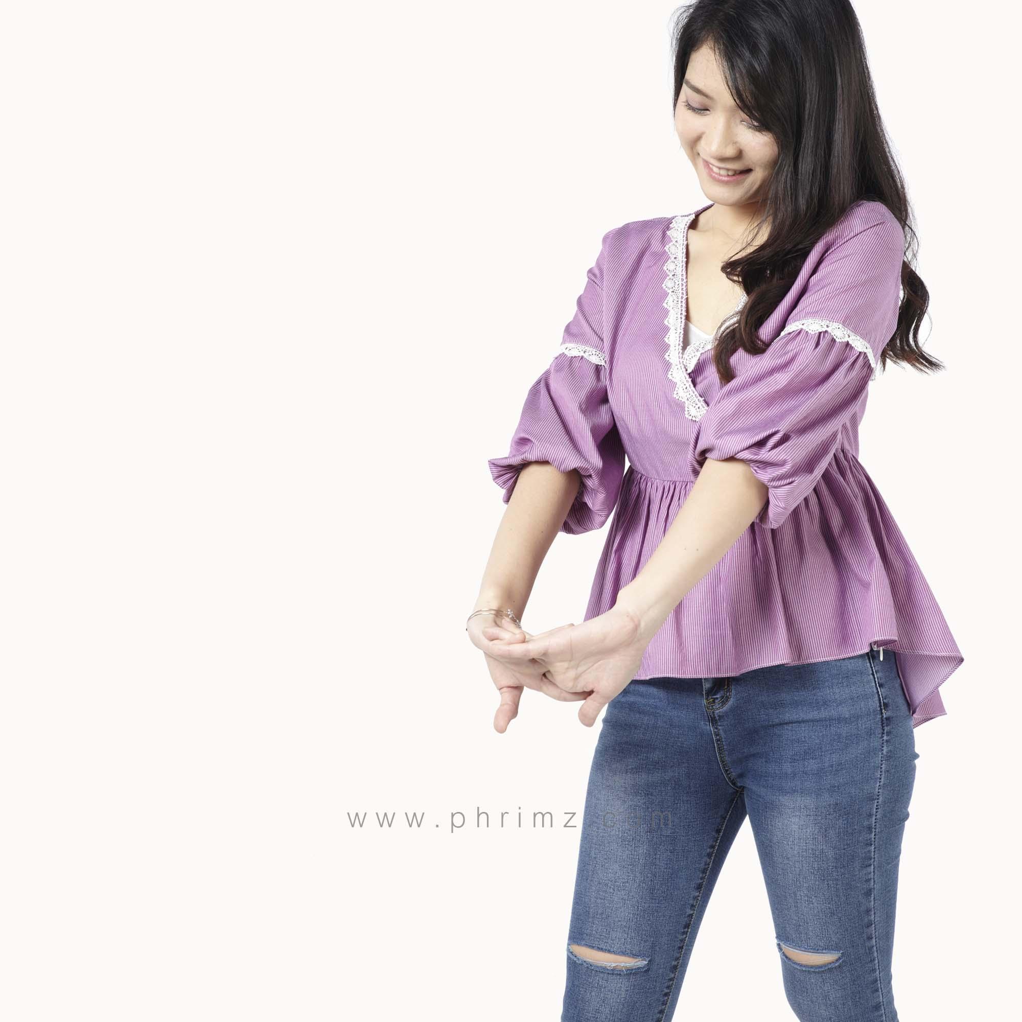 เสื้อให้นม Phrimz : Grace Breastfeeding Top - Magenta