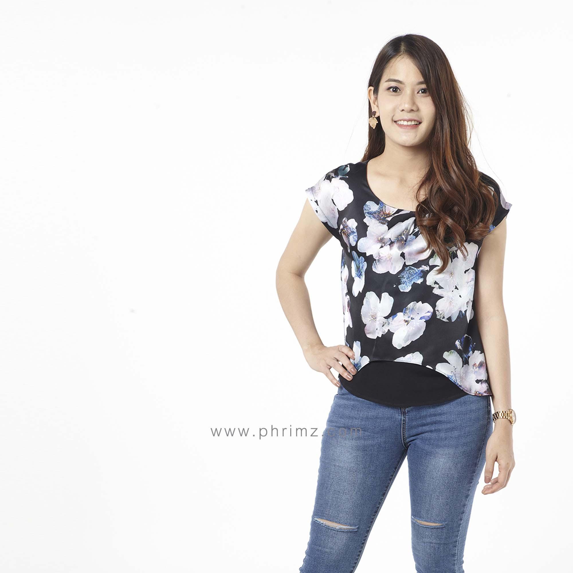 เสื้อให้นม Phrimz : Malee Breastfeeding Top - Black Sakura
